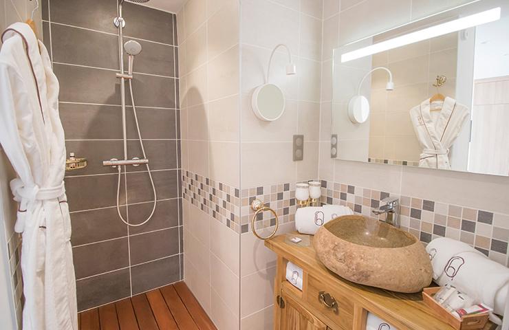 Salle de bain Chêne hôtel des quinconces