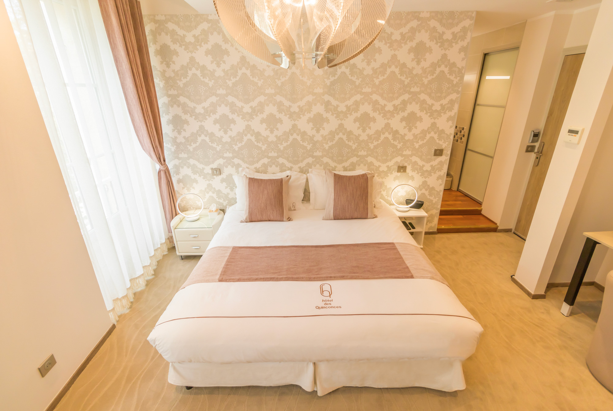 King size bed Room Chene