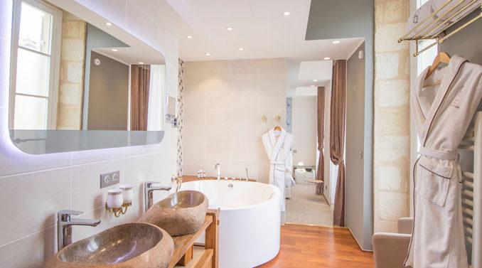 Salle de bain chambre Erable hotel des quinconces